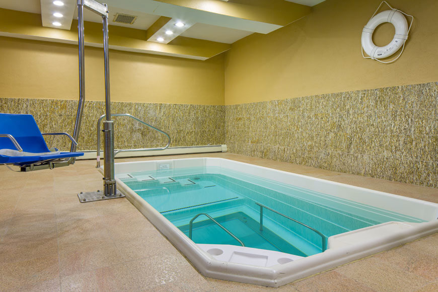 Physical therapy pool at Emerge